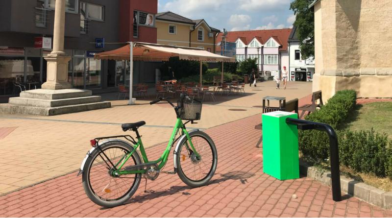 A je to tu: nové bicykle a stojany